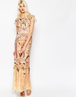 Vestido con adornos y bordados florales de Needle & Thread, a la venta en Asos